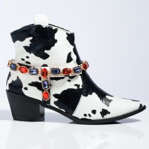 LIMITED STOCK!!💎🖤Gemstone Cowgirl Jewel Strap B